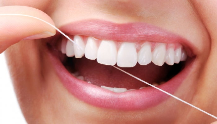 Chester springs dentist | make flossing a 2017 resolution